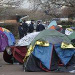 policiers-lors-demantelement-camp-refugies-saint-denis-16-decembre-2016.jpg